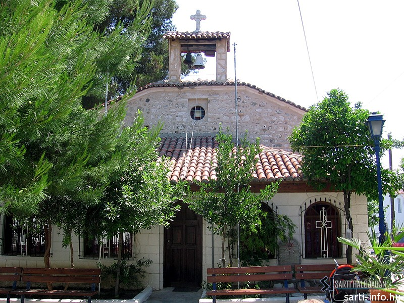 Pefkochori, Templom