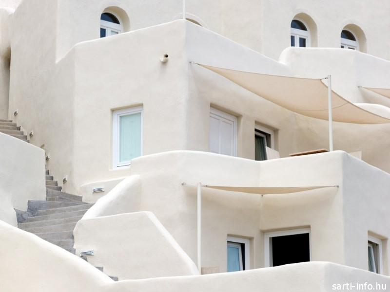 Fehér épület