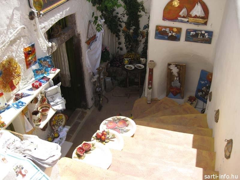 Santorini: yposkafa udvar