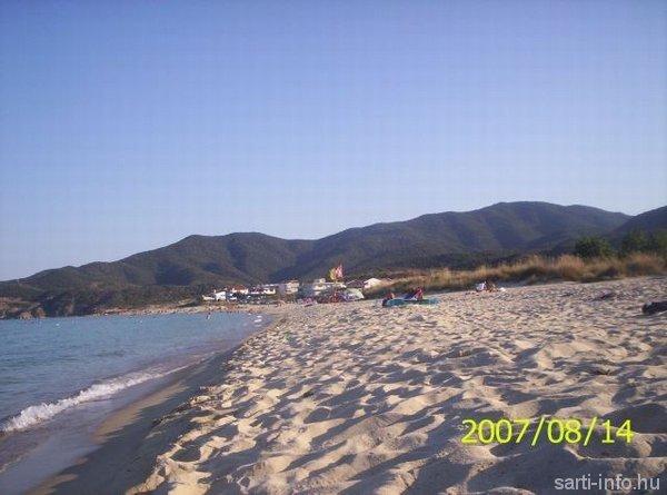Sarti homokos tengerpartja (Anka fényképe)