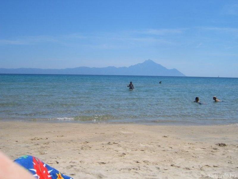 Sarti tengerpartja az Athosz látképével (mgyorgyi fotója)