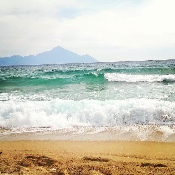 sarti_hullamok_a-tengerben