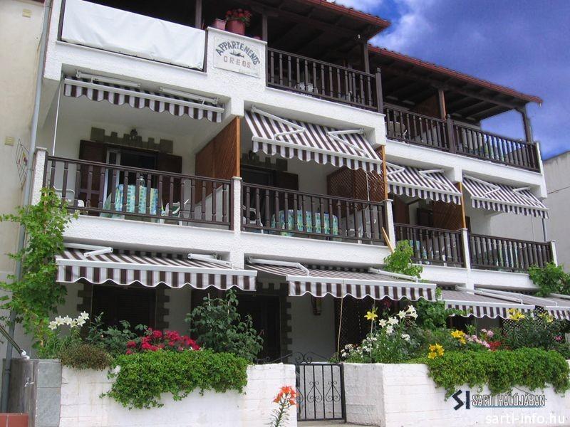 Oreos Apartmanház, Sarti