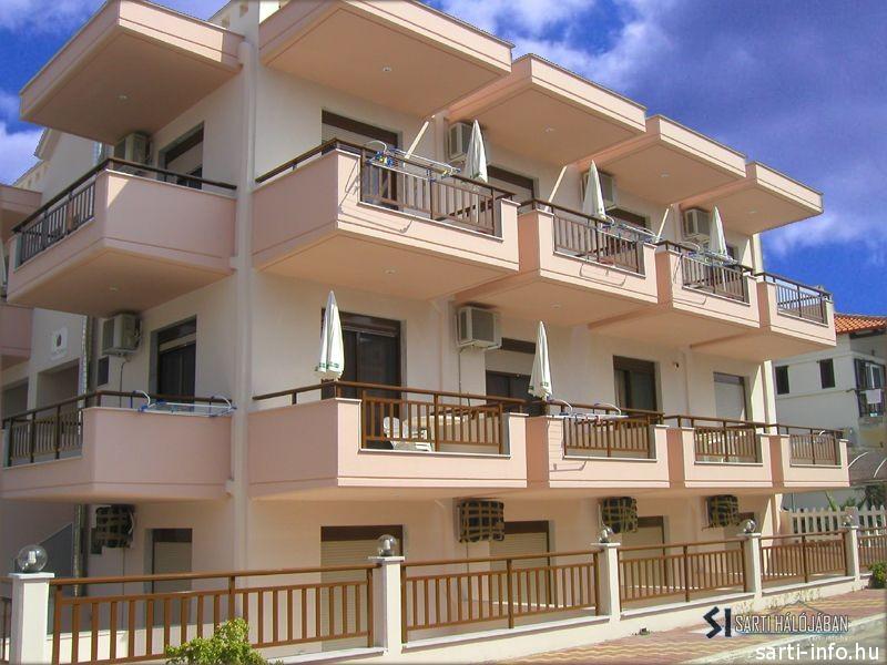 Ostraco Apartmanház, Sarti