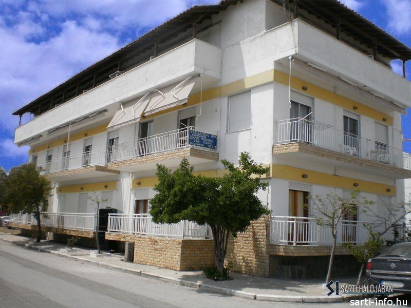 Papus Apartmanház, Sarti