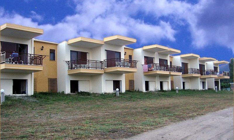 Rhodos Apartmanház, Sarti