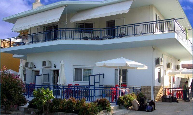 Stamatis Apartmanház, Sarti