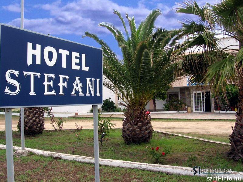 Stefani Hotel, Sarti