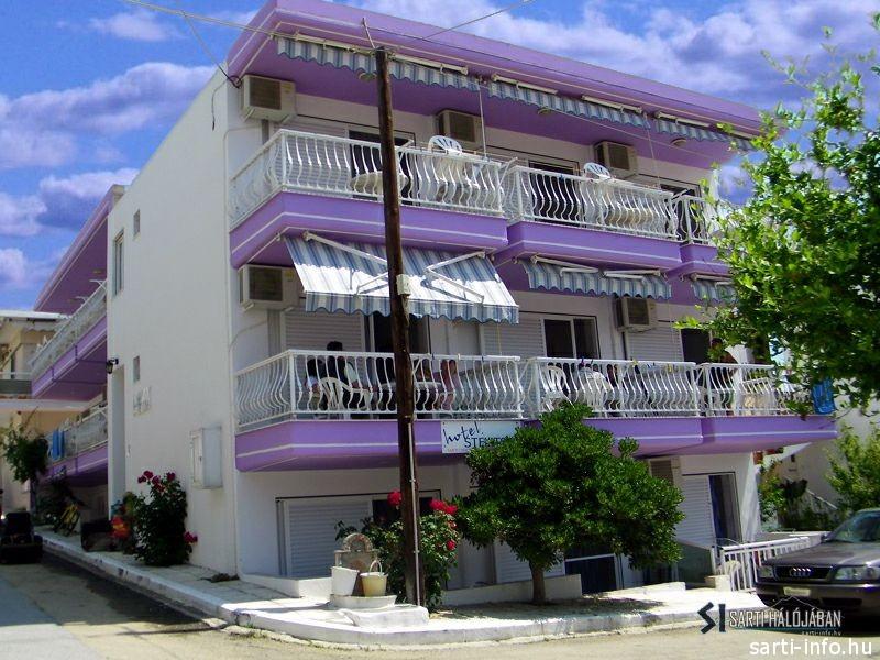 Stelitsa Apartman, Sarti