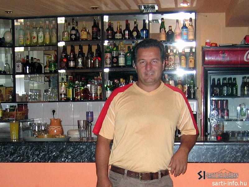 Dimitri, Alexander Snack Bar