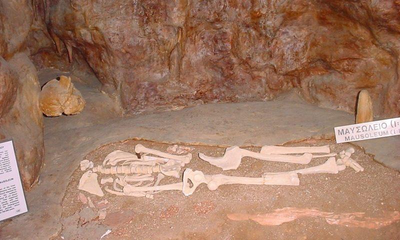 Petralona Barlang