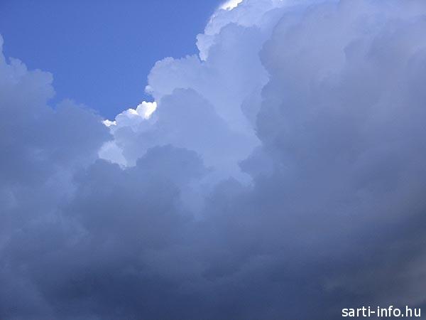 Felhők Sartin