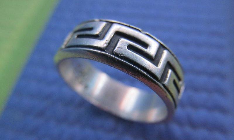 Görög kulcsos gyűrű