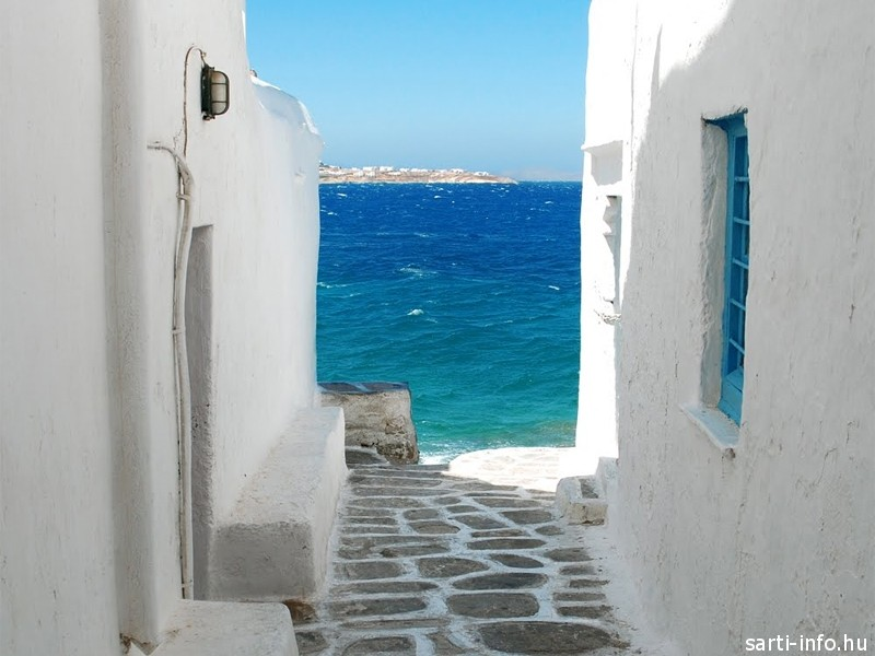Kék ablak, kék tenger