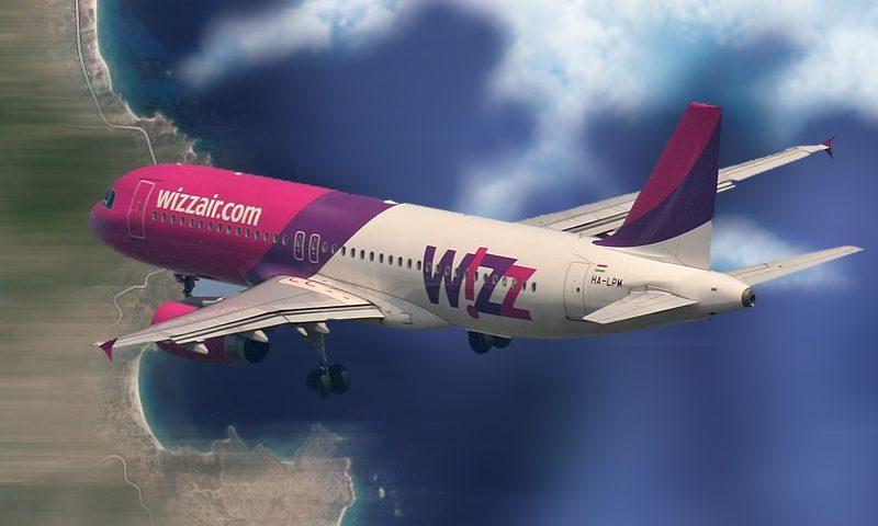Wizz Air repülőgép Sarti felett