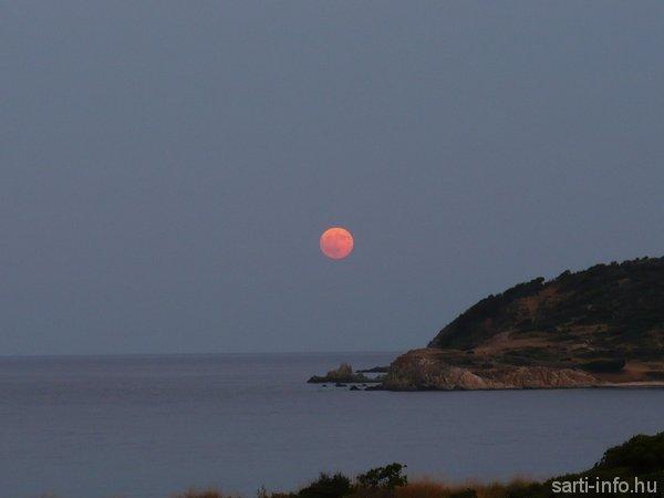 vörös hold sartin