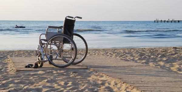 Kerekes székkel is megközelíthető strand