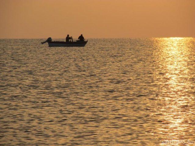 Halászok a napkeltében
