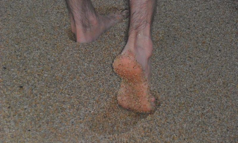 Lábnyomok a homokban