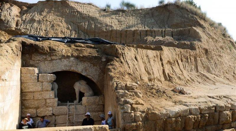 Amphipolis sírhely bejárat