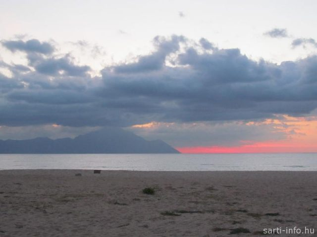 Athos vörös napfelkelte