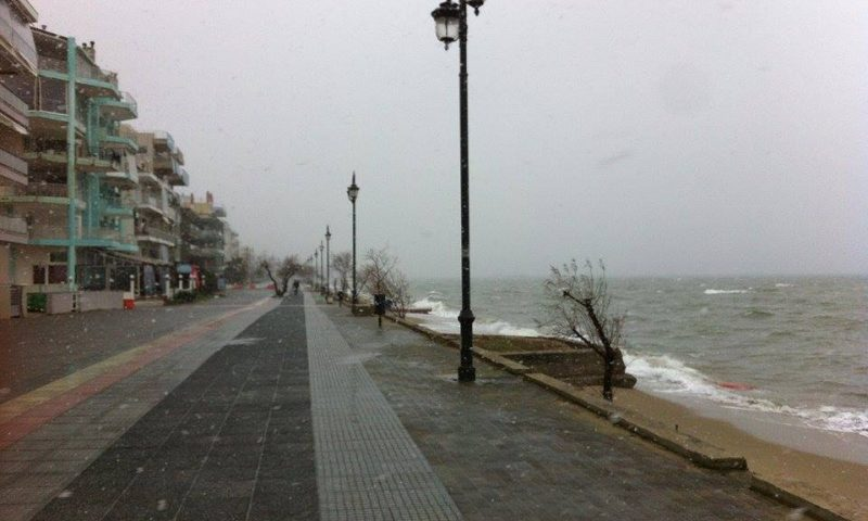 Esik a hó Szalonikiben