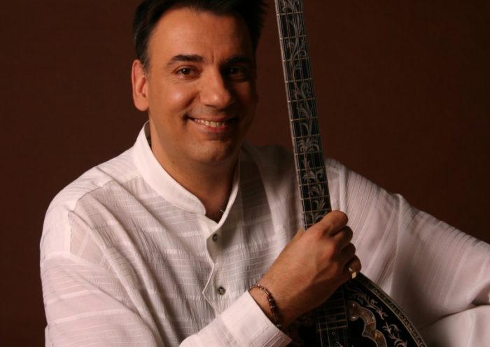 Sarantis Mantzourakis buzukiművész