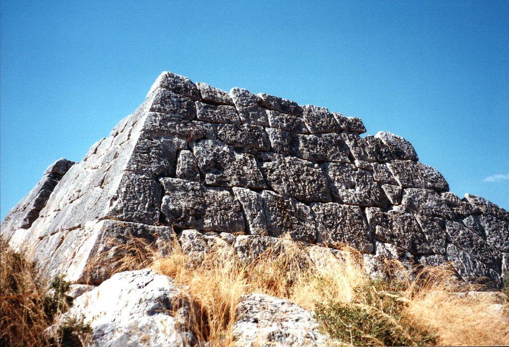 Hellinikon piramis