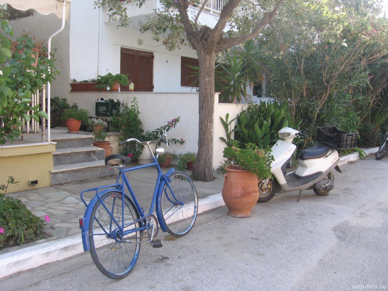 Kék bicikli