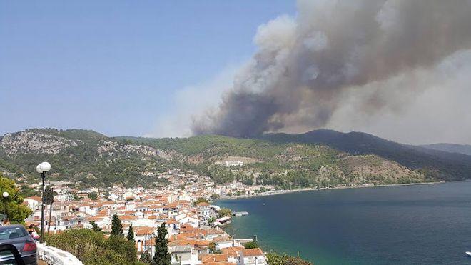 Tűz az Evia szigeten